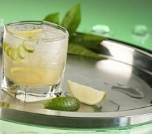 Johnnie Fresh: Johnnie Walker Red Label (40 ml) tequila silver (30 ml) sok z cytryny (30 ml) limonka lód