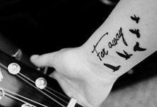 idealne miejsce na taki tatuaż (: xx