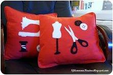Poduszki na fotel krawcowej.