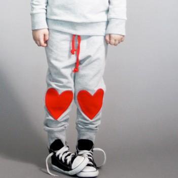 Naszywki na kolana w kształcie serc ;-)