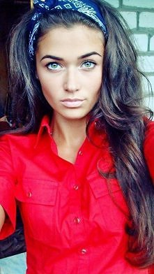 idealna! włosy<3 oczy<3