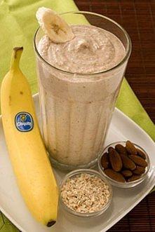 Lauren Conrad Smoothie: 1 banan, kostka lodu, 1/4 szklanki gotowanych płatków...
