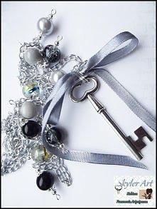 wisior magiczny klucz- szaro/czarny  skyler-art.blogspot.com