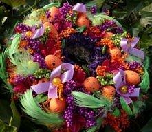 Wielkanocny wianek z fioletem