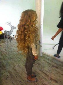 Jakie piękne włosy... Marzenie wielu dziewczyn i kobiet ^^
