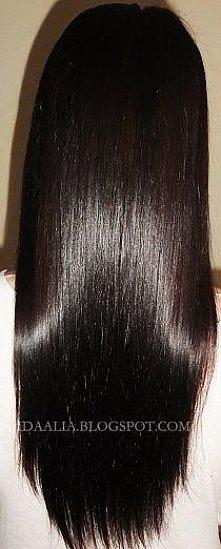 Jeśli twoje włosy są zniszczone i suche:  Na zniszczone i przesuszone włosy najlepsza jest maseczka z trzech łyżeczek majonezu lub żółtka, możesz do niej wycisnąć kilka kropel c...