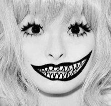 usmiech usmiechowi nierówny