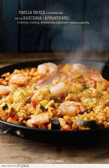 Paella z kurczakiem, warzywami (cukinią i papryką) oraz krewetkami Dodatek krewetek jest opcjonalny. Składniki, 4 porcje:  • 1 litr bulionu drobiowego lub warzywnego + mała szcz...