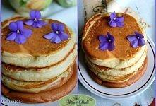 Pancakes Składniki:      maślanka [400 g]     mąka [1 szklanka]     jajka [1 szt.] (duże)     proszek do pieczenia [1 łyżeczka] (nie kopiata)     soda oczyszczona [1 łyżeczka]  ...