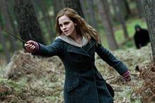 Umiejętności magiczne Magia niewerbalna – Hermiona pDziesięciocalowa różdżka Hermiony kupiona w sklepie Ollivandera.otrafiła posługiwać się tym rodzajem magii już w klasie piąte...