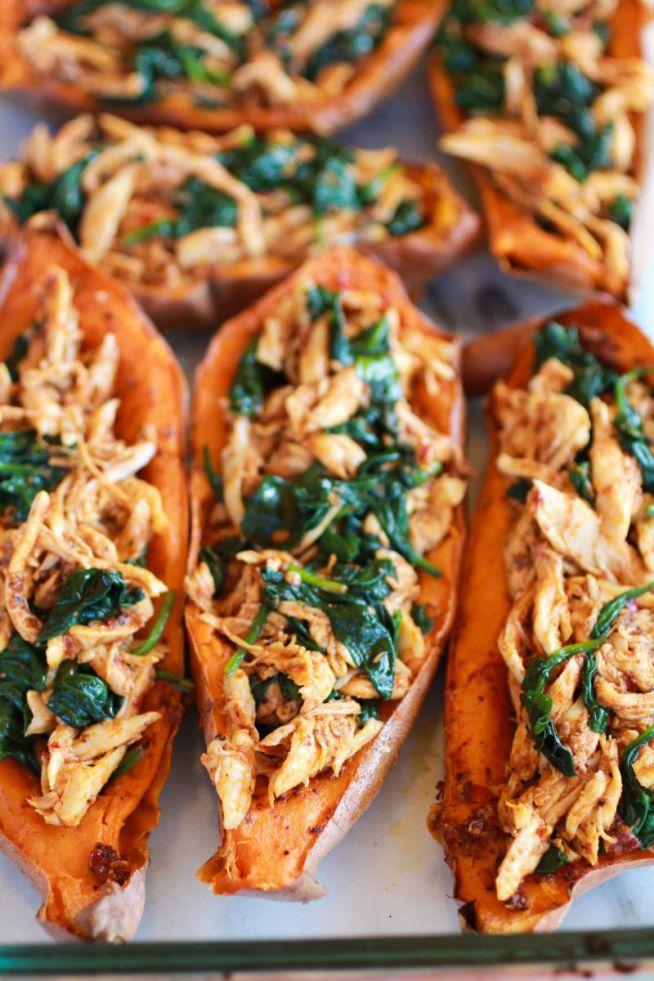 zdrowe wiosenne jedzonko: ziemniaki zapiekane z kurczaczkiem i serem