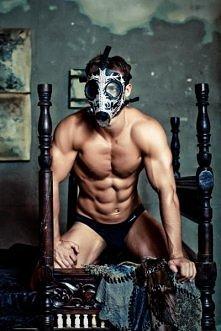Zdejmij tą maskę i do spania!