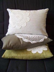 Romantyczne stylowe poduszki.