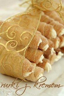 Składniki na około 60 rurek (każda 7 cm długości): •pół kilo mąki pszennej ...