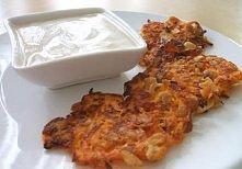 placuszki marchewkowe z sosem jogurtowo-koperkowym - składniki: 5 (ok. 600 g)...