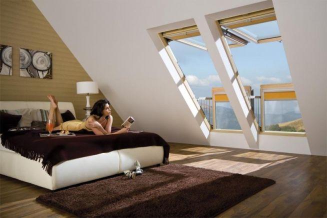 Sypialnia Na Poddaszu Z Dużymi Oknami Balkonowymi Galeria To
