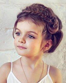 ładna dziewczynka ładna fryzura