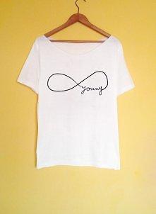 Starannie wykonana, ręcznie malowana koszulka  nadruk jest malowany specjalną farbą do tkanin i utrwalany (odporny na pranie, prasowanie)  szczegóły i możliwość zakupu po klikni...
