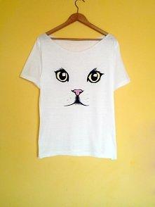 Starannie wykonana, ręcznie malowana koszulka szczegóły i możliwość zakupu po kliknięciu w obrazek- zapraszam :)