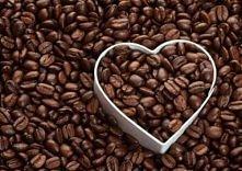 pilling do ciała z fusów kawy  Zmieloną kawę zaparzamy, odsączamy, studzimy a...