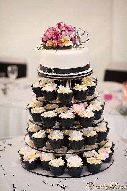 Tort weselny z babeczek :)