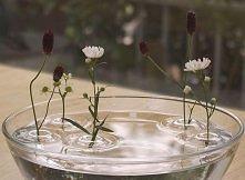 pływający wazon