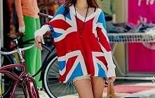 Sweterek oversize z motywem flagi. Kochamy! ♥