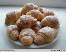 Świąteczna przekąska - rogaliki z marmoladą  Składniki: 1/2 kostki margaryny,...