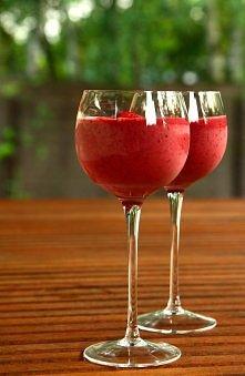 Koktajl truskawkowo-jagodowy z lodami waniliowymi