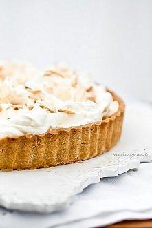 Tarta z białą czekoladą, advocaatem i migdałami  Składniki na kruche ciasto: ...