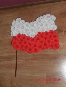 Polska flaga z krepinowych ...