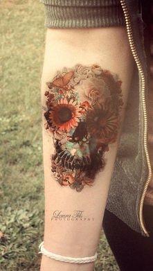 czaszka z kwiatów <3 tatuaż!!