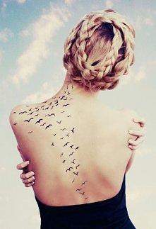 tatuaż na kręgosłupie <3