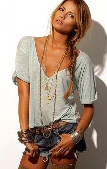 szorty i luźny t-shirt - uwielbiam!!