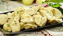 Pierogi ruskie  Ciasto:      0.5kg mąki pszennej     3 łyżki oleju     1jajko...