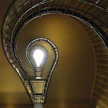 żarówkowe schody