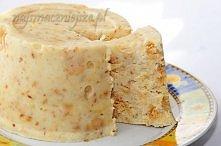 BLOK KOKOSOWY   Składniki:  - 150 g mleka w proszku,  - 35 g cukru,  - kilka kropelek aromatu waniliowego,  - 40 g masła,  - 100 ml wody,  - 50 g wiórków kokosowych,  - 50 g her...