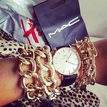 piękny zegarek.