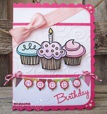 Kartka urodzinowa słodka różowa babeczki