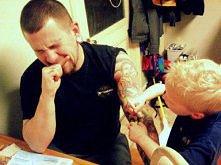 Mistrz tatuażu. Pierwsza ofiara - tatuś =)