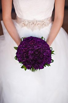 Bukiet ślubny fioletowy.