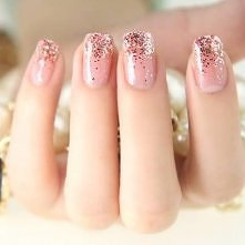 Różowe paznokcie ...