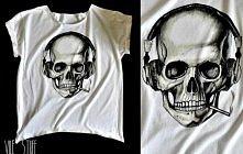 Ręcznie malowana czacha na przerobionej koszulce ;)