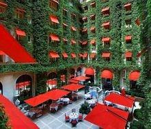 Hotel Plaza, Paris