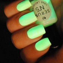 Neonowy zieleń ;3