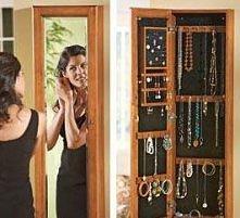 biżuteria za lustrem