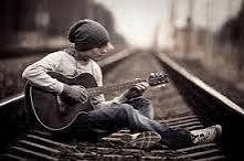 chłopak z gitarą *_*