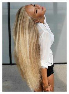"""6 najlepszych maseczek na włosy : MASKA NABŁYSZCZAJĄCA I WZMACNIAJĄCA 1/3 szklanki oleju roślinnego podgrzej i """"zaparz"""" w nim torebkę herbaty rumiankowej i pokrzywowej (można uż..."""