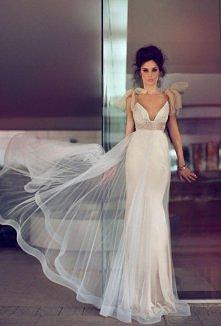 niesamowita suknia