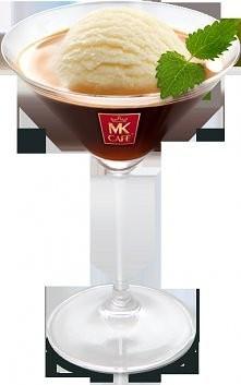 Czarna kawa z lodami waniliowymi  Składniki: - gałka lodów waniliowych, - 150 ml zaparzonej kawy  Przygotowanie: Do kieliszka porcjujemy gałkę lodów waniliowych. Lody delikatnie...